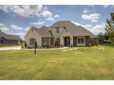 Owasso Single Family Home For Sale: 17750 E Sunset Ridge