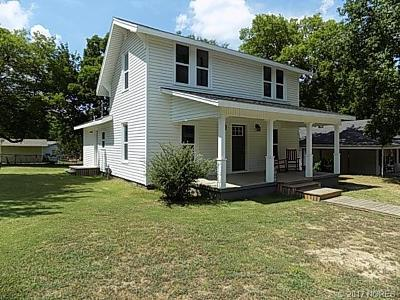 Holdenville OK Single Family Home For Sale: $89,500