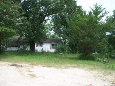 Francis OK Single Family Home For Sale: $198,500