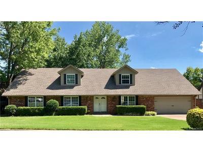 Tulsa Single Family Home For Sale: 4322 E 79th Place
