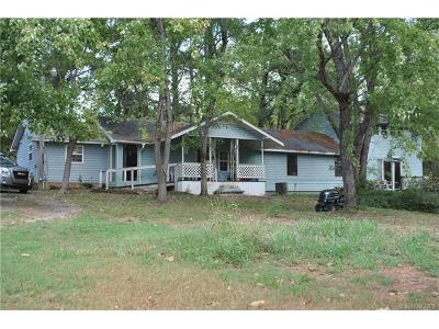 Hulbert OK Single Family Home For Sale: $110,000