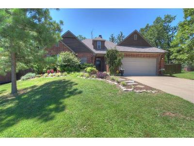 Sand Springs Single Family Home For Sale: 9318 Scarlet Oak Drive