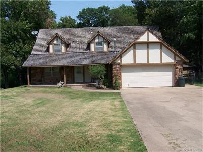 Broken Arrow Single Family Home For Sale: 860 W Commercial Street