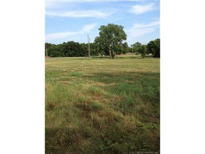 Residential Lots & Land For Sale: 2211 N Broadway Avenue