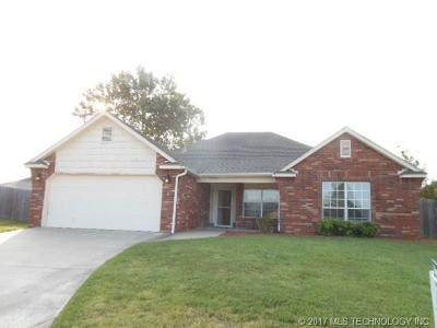 Collinsville Single Family Home For Sale: 12103 N 107th East Court