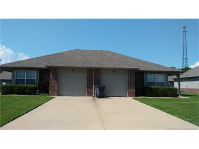 Catoosa Multi Family Home For Sale: 959-961 River Xing Street