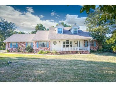Claremore Single Family Home For Sale: 19563 Helt Road