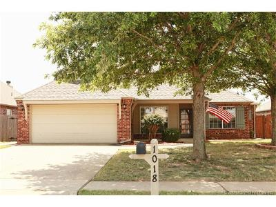 Jenks Single Family Home For Sale: 1018 W 120th Court