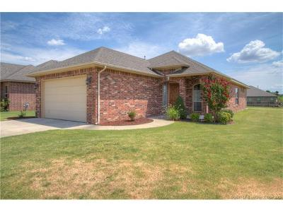 Coweta Single Family Home For Sale: 26888 E 142nd Place S