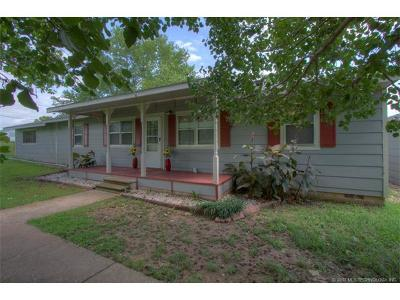 Okmulgee Single Family Home For Sale: 19730 Sharp Road