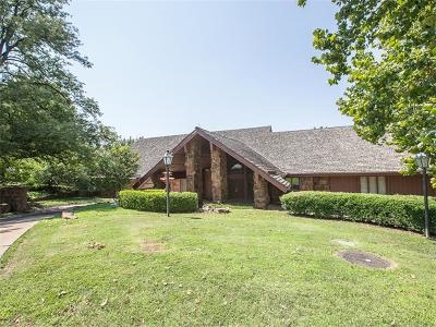Tulsa Single Family Home For Sale: 3209 E 62nd Street