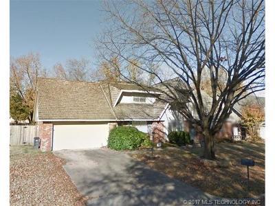 Tulsa Single Family Home For Sale: 7429 E 69th Street
