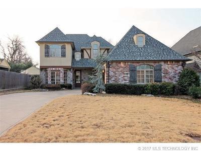 Tulsa Single Family Home For Sale: 1536 E 35th Place