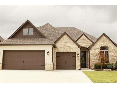 Broken Arrow Single Family Home For Sale: 4101 W Van Buren Street