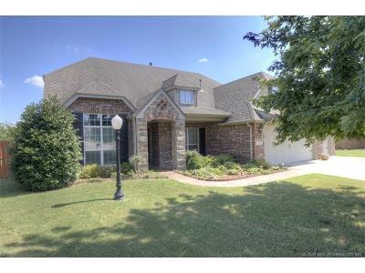 Owasso Single Family Home For Sale: 10404 E 95th Circle N