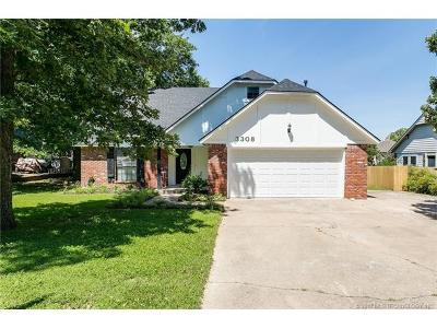 Sand Springs Single Family Home For Sale: 3308 Maple Drive