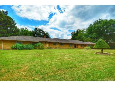 Okmulgee Single Family Home For Sale: 1410 E 9th Street