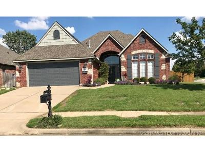 Jenks Single Family Home For Sale: 12011 S Tamarack Street W