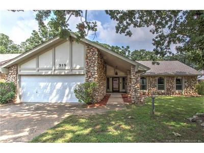 Sand Springs Single Family Home For Sale: 319 W 32nd Street W
