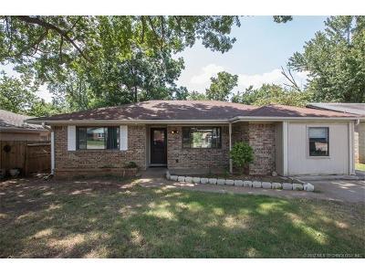 Tulsa Single Family Home For Sale: 20528 E 3rd Street