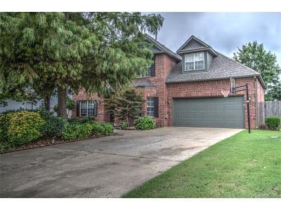 Jenks Single Family Home For Sale: 522 N Emerson Street