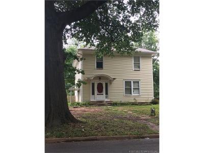 Okmulgee Single Family Home For Sale: 421 S Morton Avenue