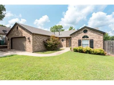 Sand Springs Single Family Home For Sale: 3306 S Springtree Lane