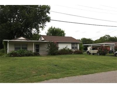 Sand Springs Single Family Home For Sale: 209 E 38th Street
