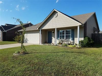 Sapulpa Single Family Home For Sale: 7 E Fairlane Drive