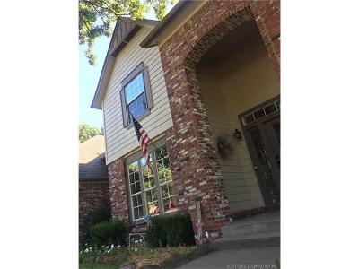 Broken Arrow, Jenks, Tulsa Single Family Home For Sale: 12319 Skyline Drive