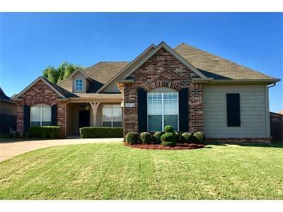 Broken Arrow Single Family Home For Sale: 2516 W Natchez Street