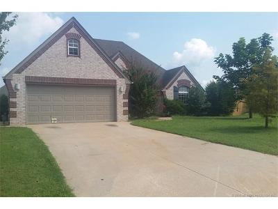 Single Family Home For Sale: 25557 Murphy Court