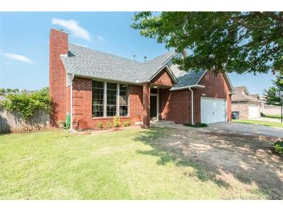Glenpool Single Family Home For Sale: 13764 S Oak Place