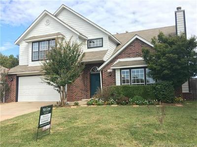 Broken Arrow Single Family Home For Sale: 5309 S Maple Place