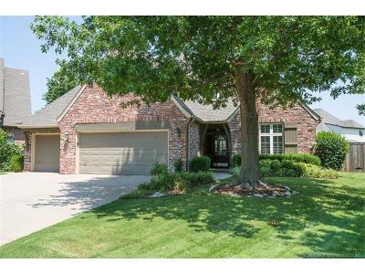 Tulsa Single Family Home For Sale: 5723 E 109th Street