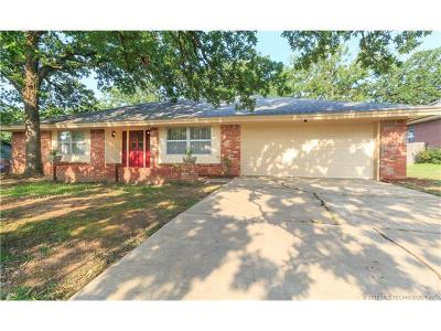 Sand Springs Single Family Home For Sale: 1040 N Elder Court