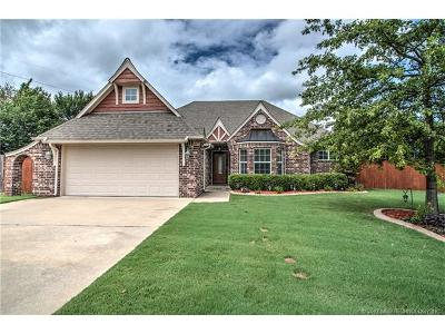 Jenks Single Family Home For Sale: 512 N Willow Street