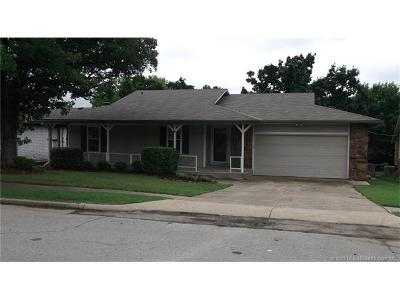Sand Springs Single Family Home For Sale: 212 W 31st Street