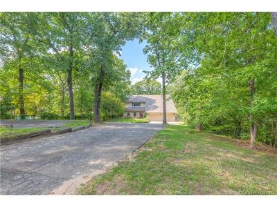 Tulsa Single Family Home For Sale: 3735 E 108th Street