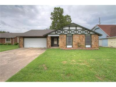 Owasso Single Family Home For Sale: 8711 N 121st East Avenue