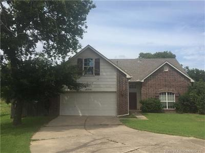 Catoosa Single Family Home For Sale: 19301 Sycamore Circle