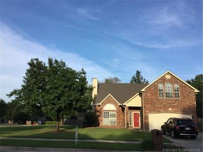 Broken Arrow Single Family Home For Sale: 409 N Willow Avenue