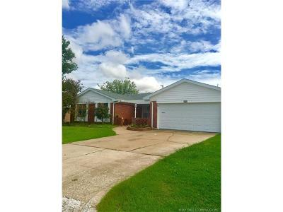 Tulsa OK Single Family Home For Sale: $99,000