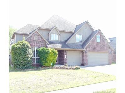 Broken Arrow Single Family Home For Sale: 705 E Seattle Street