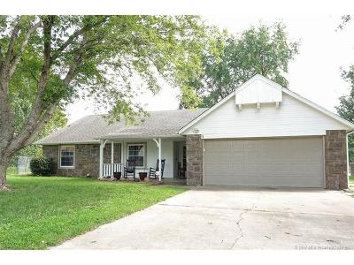 Owasso Single Family Home For Sale: 10610 E 96th Place N