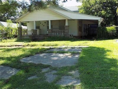 Holdenville OK Single Family Home For Sale: $24,900