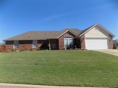 Claremore Single Family Home For Sale: 2700 Wolf Run Drive