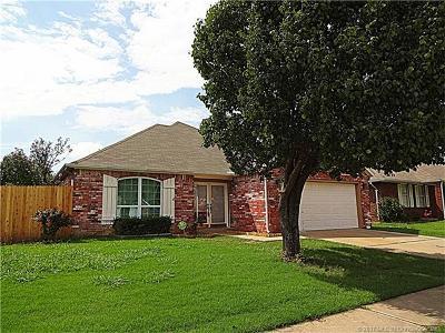 Broken Arrow Single Family Home For Sale: 3300 N 5th Street