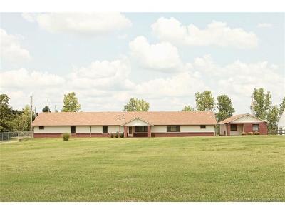 Tulsa Single Family Home For Sale: 6655 W 42nd Street