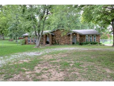 Claremore Single Family Home For Sale: 24222 S Rogers Drive